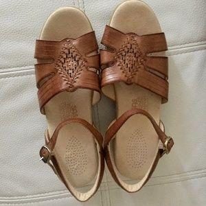 EUC Huarache Antique Tan SAS Sandals